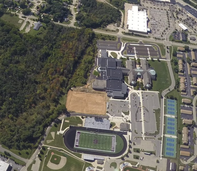 grandville-high-school-and-rec-from-balloon-091716